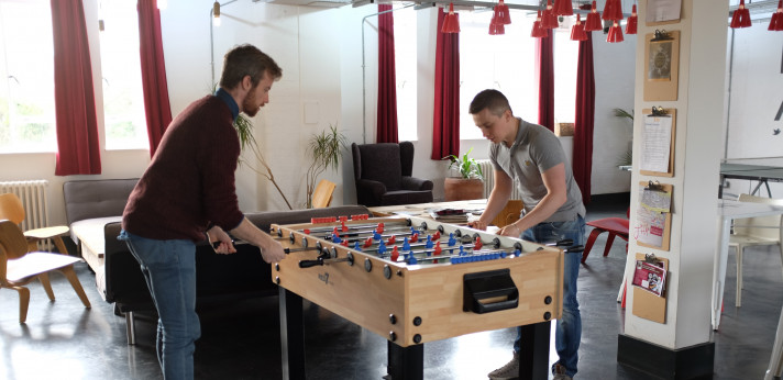 Atomic Smash playing table football